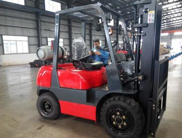 Gas Engine Powered Pallet Truck Type LPG Forklift 3000kg Loading Capacity