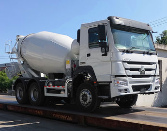 China Euro 2 Sinotruk Howo 6x4 Mixer Truck With Tank Body 8 Cubic Meters distributor