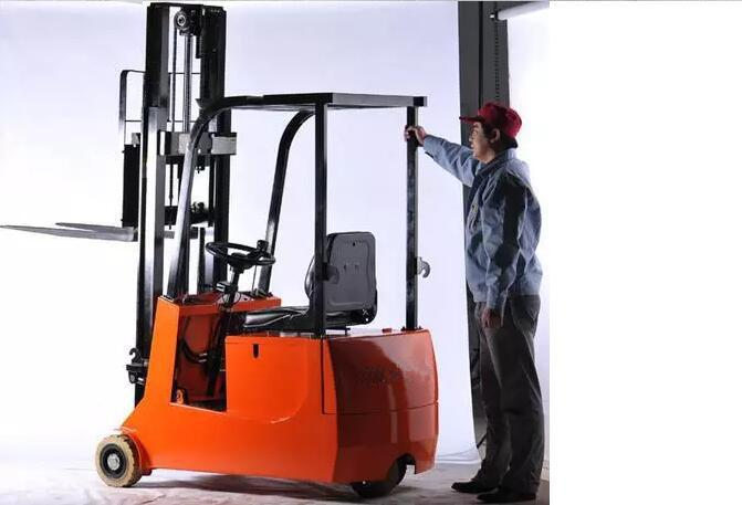 1 Ton Capacity Small 3 Wheels Electric Forklift Max. Lifting Height 90mm